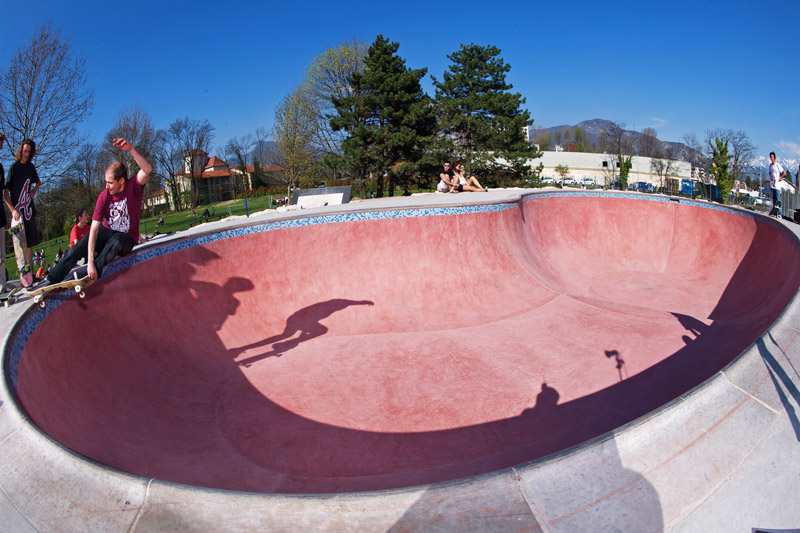 Skatepark de Fontaine pool